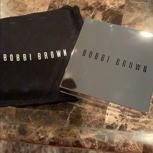 Bobby Brown Brightening Powder